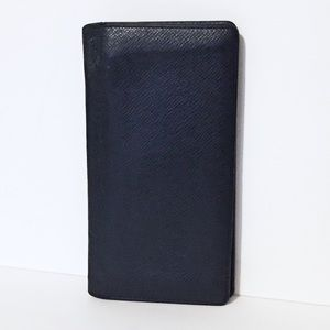 Louis Vuitton taiga leather bifold long wallet